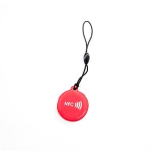 Obrázek Červený okrouhlý přívěsek s logem NFC